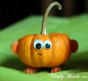 Pumpkin_family_halloween_decor_table_13